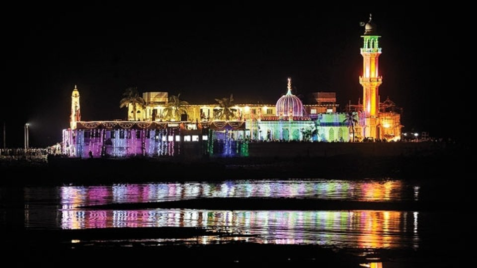 Things To Do in Mumbai - Haji Ali