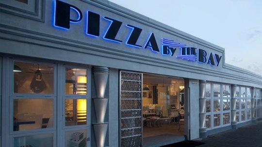 pizza restaurants in Mumbai - Marine drive