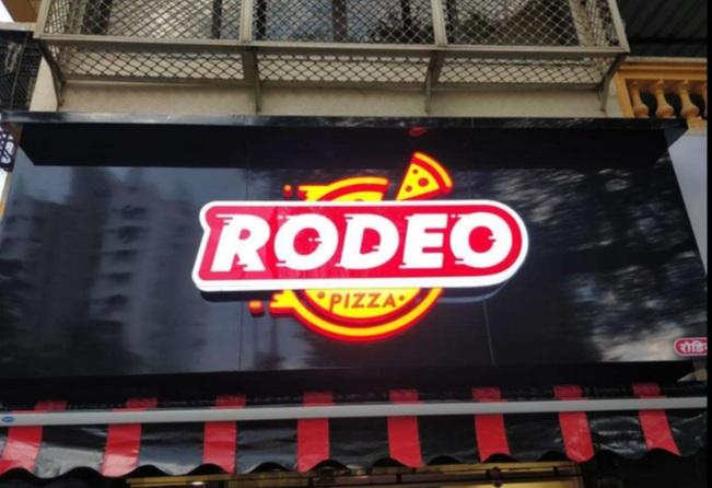 Rodeo pizza in versova
