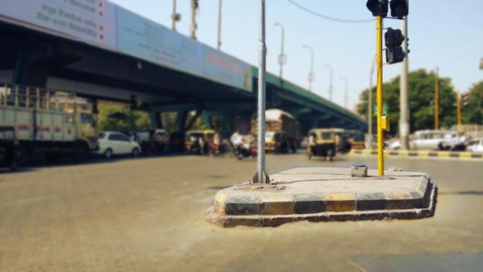 Haunted Places in Mumbai - Cadbury Junction Signal