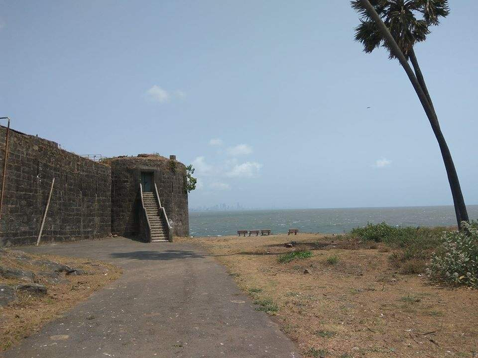 Haunted Places in Mumbai - Madh Island Road